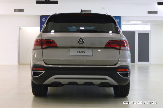 Vista trasera del Volkswagen Taos