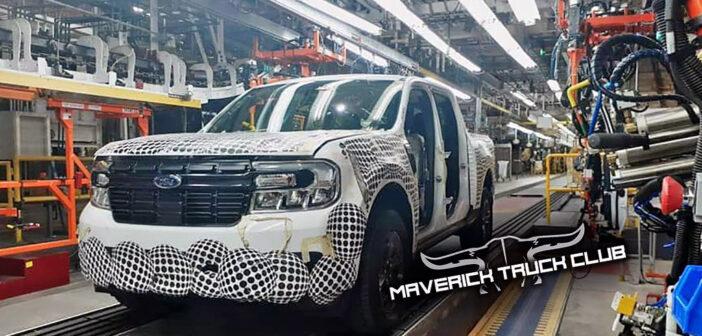 La pick-up Ford Maverick fue fotografiada en la línea de montaje de México