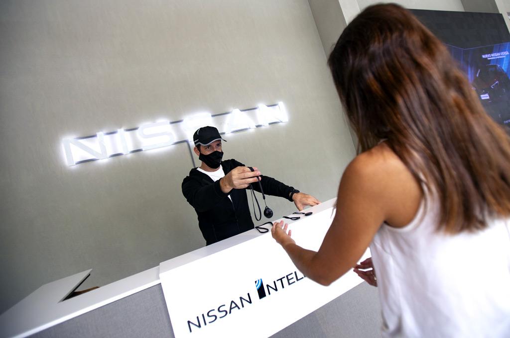 Dispositivo de distanciamiento físico de Nissan