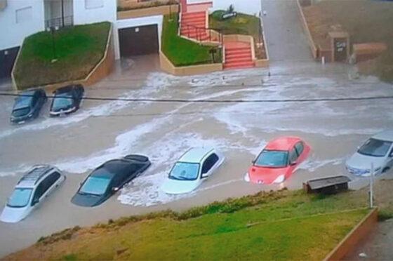 autos inundados en Villa Gesell
