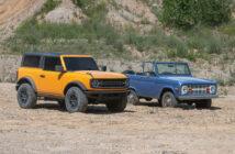 Ford Bronco de 2021 junto a la de 1966