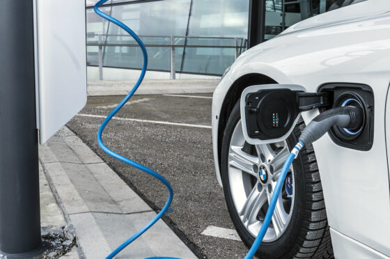 BMW Plug In Charge