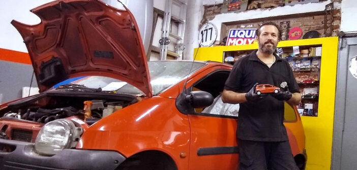 Capu Garage, el único mecánico de Argentina dedicado exclusivamente al Twingo