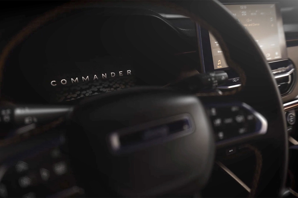 Interior del Jeep Commander