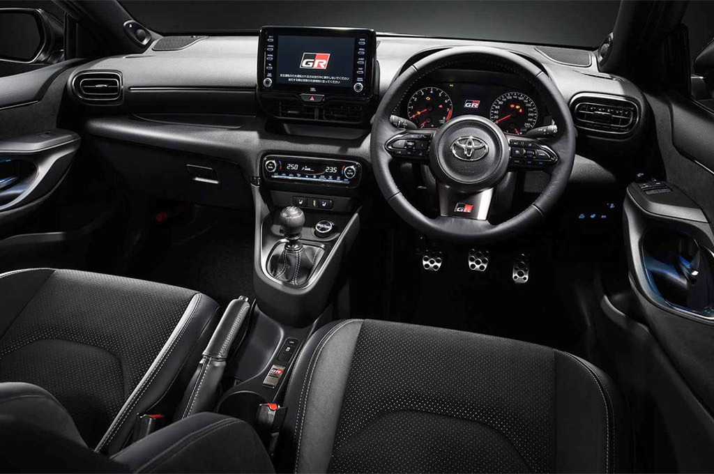 Interior del Toyota GR Yaris